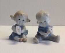 Porzellan Figuren Wagner und Apel Thüringen DDR GDR Sitzendes Kind Mädchen Junge