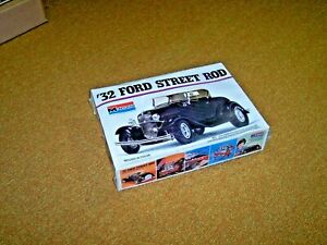 Monogram 1932 Ford roadster street rod large 1/8th scale original factory wrap