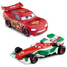 Disney Cars 2 Die Cast Metal Francesco vs. Mc Queen Leuchtet Auto Set 2 pcs BOX