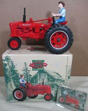 McCormick Farmall H Red Farm Tractor With Farmer Driver Figurine Die-Cast 1:16