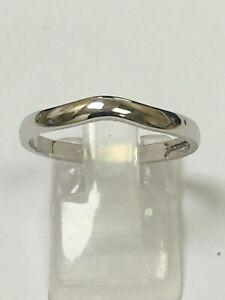 9 Carat White Gold Twist WEDDING BAND Ring Size Q