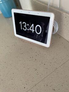 Google Nest Hub - Sand - Smart Home Display Speaker