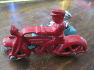 VINTAGE HUBLEY MOTORCYCLE WITH SIDECAR AND RIDER
