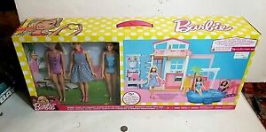Barbie 2018 Mattel fully furnished 15+ pieces 4 rooms 3 dolls pool 2 story house