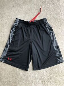 UNDER ARMOUR black gray camo accent trainings run gym workout pull on shorts M