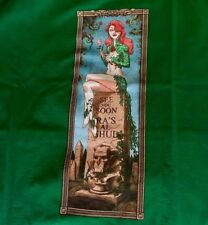 Poison Ivy - Batman Disney Haunted Mansion TeeFury Shirt - ML Mens Large