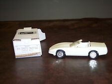 AMT - ERTL- 1991 - CORVETTE - CONVERTIBLE - WHITE- DEALER PROMO -ADULT DISPALYED