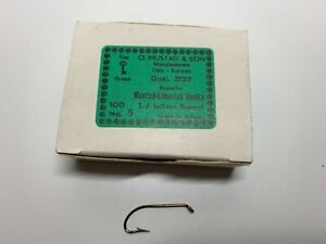 Mustad hooks for fly tying, 3123, No 5