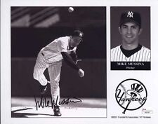MIKE MUSSINA SIGNED AUTOGRAPH 8X10 PHOTO NEW YORK YANKEES