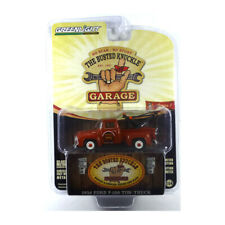 Greenlight 39010-B Ford F-100 Tow Truck - the Busted Knuckle Garage 1:64 New !°