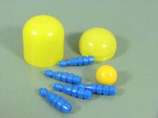 SPIELZEUG: Kegelspiel blau, Ball gelb im Ei