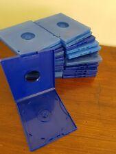 LOT 30 BOITIERS vides pour CD /DVD. carrés. Encombrement réduit (14 x 12,5 cm)