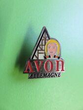 231 - Pin's - Avon Allemagne - Cosmétique - Parfum