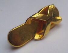 broche bijou rétro chaussure claquette tong couleur or poli relief 2606