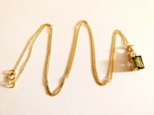 """Ladies 9ct Yellow Gold Green Sapphire and Diamond Pendant 18"""" Necklace"""
