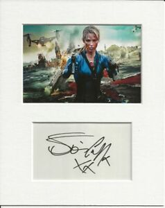 Sienna Guillory resident evil signed genuine authentic autograph signature AFTAL