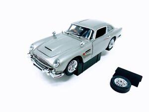 Danbury Mint James Bond 007 Aston Martin DB5 1:24