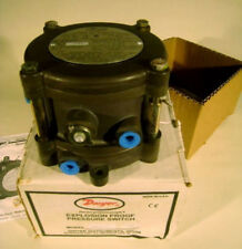 Dwyer Explosion Proof Differential Pressure Switch Series 1950G-00-B-120. NEW!