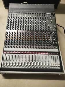 Mackie Onyx1640 16ch Analog mixer with Firewire option card