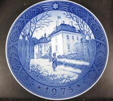 Royal Copenhagen 1975 Blue & White Plate The Queen's Christmas Residence
