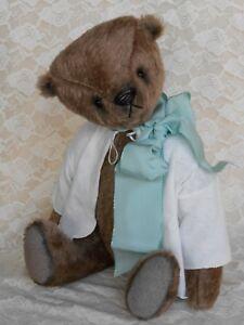 """Künstlerbär """"Herwart"""" von den Urbi-Bären"""