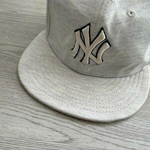 New Era 59Fifty New York Yankees SnapBack Cap - Size 7 3/8 - 58.5 Cm - Hat Grey