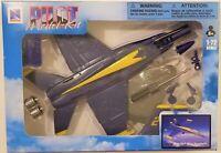 New Ray - 1:72 Scale Pilot Model Kit F/A-18 Hornet Blue Angels (BBNR21317FA18)