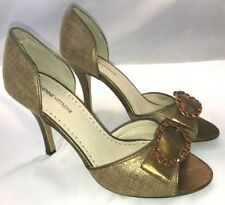 NIB Adrienne Vittadini Corden Gold Metallic Fabric Jeweled High Heel Pumps 8.5 M