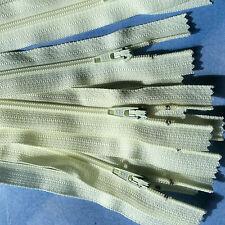 10 x 18 cm PALE LEMON dress ZIPS zippers YKK (#278)