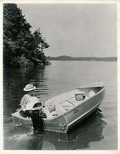Pêche c. 1950 - Bateau Pêcheur Moteur Johnson USA - GF 376
