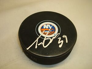 Travis Green Signed New York Islanders Hockey Puck Autographed 1A