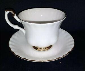 Tasse Porcelaine Anglaise Royal Albert n° 2