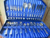CANTEEN OF CUTLERY,KINGS PATTERN, MADE IN ENGLAND,SLIMLINE,32 PIECES & CASE