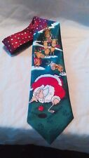 EUC HALLMARK NOVELTY SANTA CADDY REINDEER GOLFING GOLF BALL CLUB MENS NECK TIE