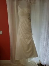 David's bridal wedding dress color ivory size 8 pre-owned