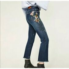NWOT Zara Floral Embroidered Cropped Ankle Jeans Size 2 Flower Denim