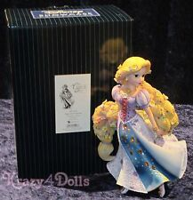 Disney Showcase Couture De Force Figurine Tangled Rapunzel New!