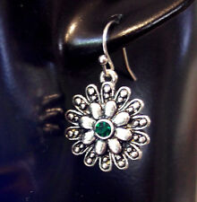 SILVER FLOWER Earrings with deep emerald colored stone