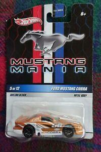 """2010 HOT WHEELS """"Mustang Mania"""" 1998 Ford Mustang """"Cobra"""" #56 gold"""