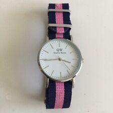 QW Quality Watch. Reloj Pulsera Unisex. WRISTWATCH
