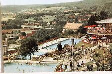 21170 AK Bad Kissingen Terrassen-Schwimmbad Badende Sonnenschirme Turm um 1960