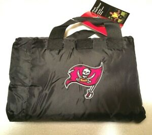 TAMPA BAY BUCCANEERS FOLD AWAY THROW BLANKET PICNIC TOTE PACKABLE COMPACT NWT
