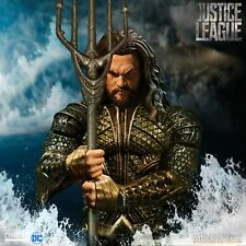 Mezco Toyz Aquaman Justice League One 12 Collective Figure Authentic in Stock