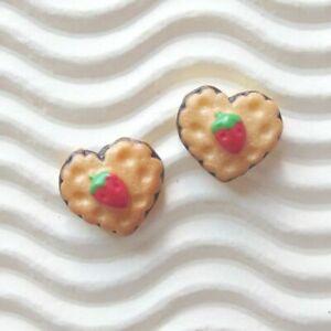 "30pcs x 3/8"" TINY Strawberry Cake/Biscuit Heart Resin Flatback/Miniature SB559"