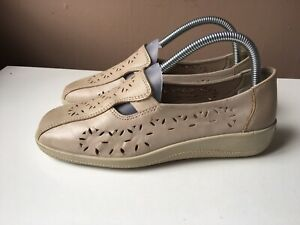 HOTTER ladies beige leather comfort shoes size 5.5