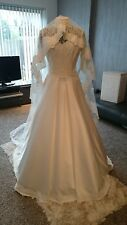 Ivory wedding dress size 12 hand-made A-Line Used once with matching Lace veil