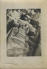 PHOTO ANCIENNE - VINTAGE SNAPSHOT - ENFANT MORT DÉFUNT POST MORTEM - CHILD DEAD