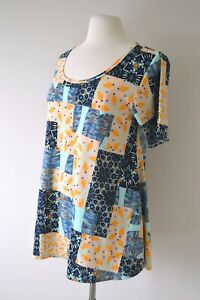 LULAROE Relaxed Tshirt Top SIZE SMALL As NEW