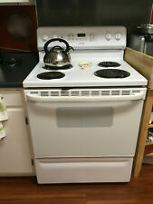 Used Ge/Hotpoint Model Rb758D P1Ww electric range
