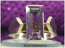 Stylish 1960s vintage 9ct Yellow Gold Baguette-cut Amethyst Cocktail Ring UK L